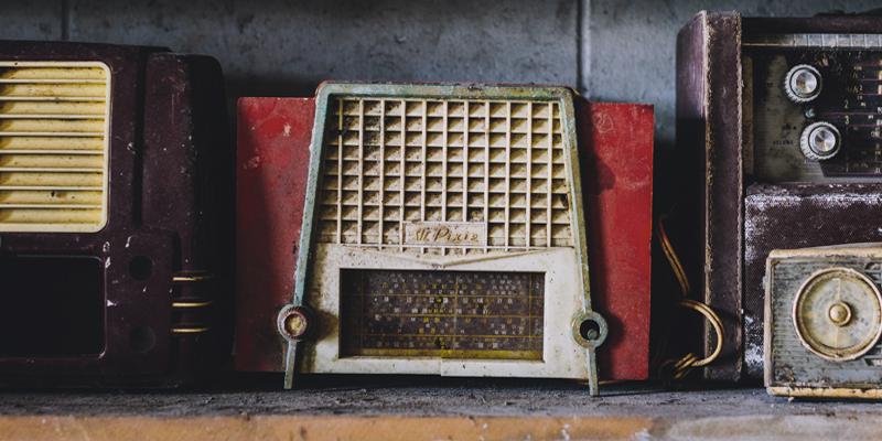 800x400_vintage-radios2
