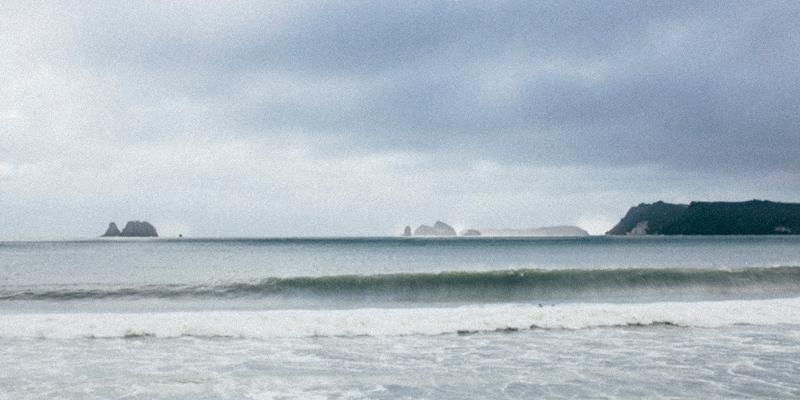 waves_storm_800x400