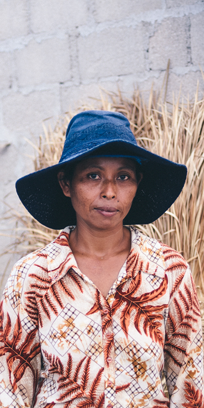 Balinese-Woman_400x800.v2